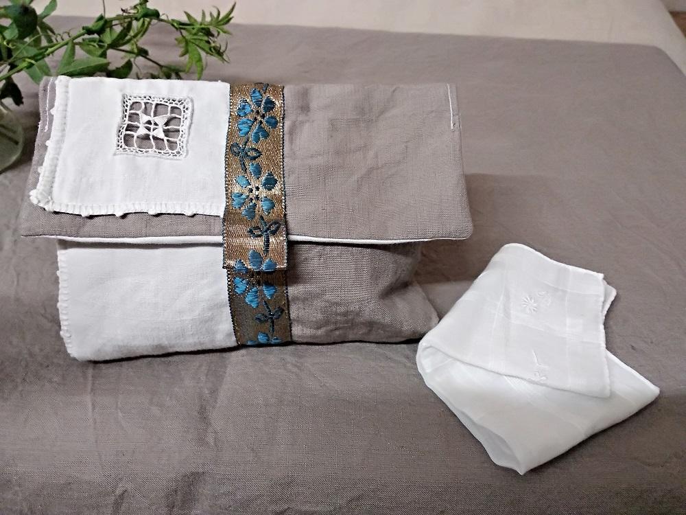 Pochette lin lavé et ruban ancien